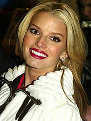Jessica Simpson's Lawsuit Moves Forward