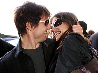 Tom Cruise & Katie Holmes Engaged