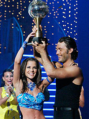 Kelly Monaco Wins Dancing with the Stars