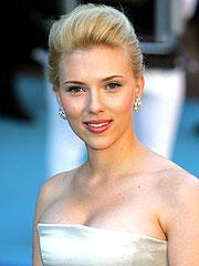 Scarlett Johansson in Car Accident