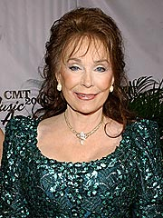 Loretta Lynn Breaks Shoulder