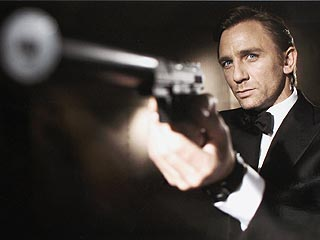 Daniel Craig Finally Ready for Bond Girl