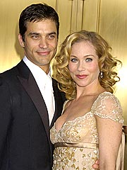 Christina Applegate's Hubby Seeks Divorce