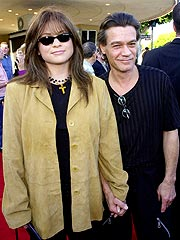 Valerie Bertinelli, Eddie Van Halen to Divorce