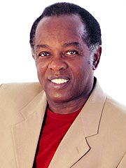 Singer Lou Rawls Dies at 72