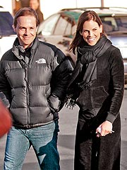 Hilary Swank & Chad Lowe Get Cozy