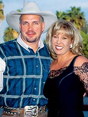 Garth Brooks's Ex Kidnapped at Gunpoint