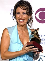 Latin Grammy Winner Soraya Dies at 37
