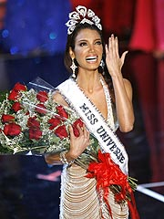 Miss Universe Passes Out Post-Pageant