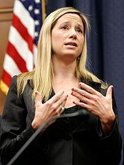 Mira Sorvino Speaks to Congress on Darfur