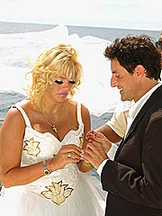 Inside Anna Nicole&#39;s Surprise Ceremony