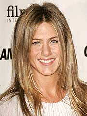 Jennifer Aniston Gets Cozy with Mystery Man