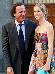 Julio Iglesias, Girlfriend Expecting a Baby