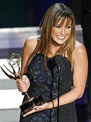 Mariska, Kiefer Score First-Time Emmys