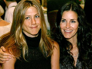 Courteney Cox: Jen & I Keep Kiss Clean