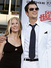 Johnny Knoxville Files for Divorce