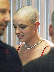 Britney Spears Goes Bald
