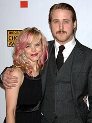 Ryan Gosling and Rachel McAdams Get Cozy