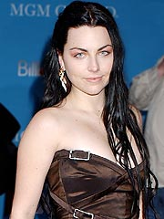 Evanescence Singer Amy Lee Gets Married