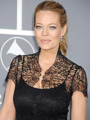 Actress Jeri Ryan Cries Over Ending Maternity Leave