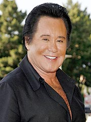 Wayne Newton Poised to Dance with the Stars
