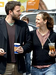 Jennifer Garner and Ben Affleck Fight in a &#39;Loving and Adult Way&#39;