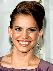 My Girl's Anna Chlumsky Engaged