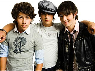Jonas Brothers: Girls &#39;Play with Your Head&#39;