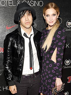 Pete Wentz Denies Feud Over Ashlee Song