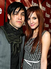 Ashlee Simpson & Pete Wentz Get Engaged