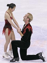 Olympic Skaters Get Engaged on Ice