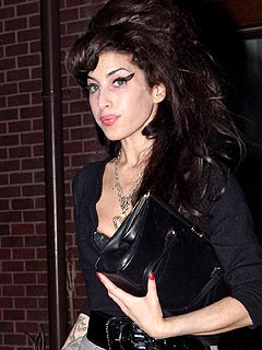 Amy Winehouse Visits U.S. Embassy for Visa