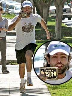 Adrian Grenier Sprints for Snappers
