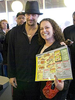 Fans Flock as Kid Rock Appears at Waffle House