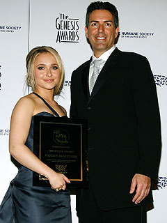 Hayden Panettiere Awarded For Efforts to Save Dolphins