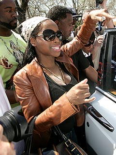 Foxy Brown's Emotional Release from Prison