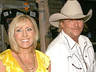 Alan Jackson Celebrates with Bologna Sandwiches