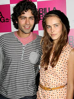 Adrian Grenier and Isabel Lucas Split