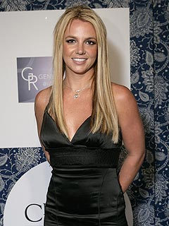 Britney Attends Cousin's Wedding in Louisiana