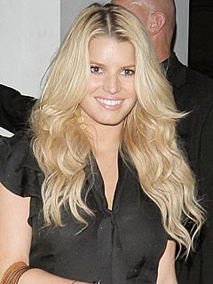 Single Jessica Simpson Keeps a Low Profile
