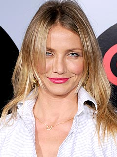 Cameron Diaz Plays Iron Chef for Costars