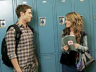 90210 Recap: Annie Flirts in FrenemyTerritory