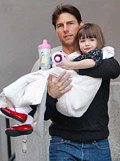 Tom Cruise Gushes Over Suri's Incredible Vocabulary