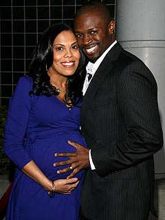 Sean Patrick Thomas & His Wife Have a Girl