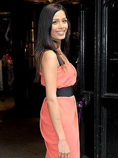 Slumdog's Freida Pinto Gets a Round of Applause at Koi