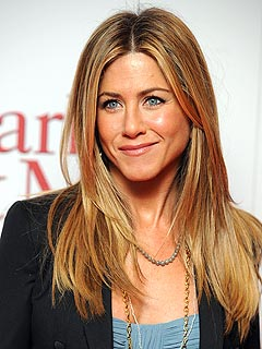 Jennifer Aniston Treats Her Crew to a Four-Day Fourth
