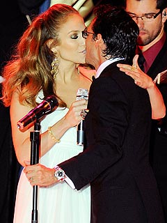 Marc Anthony, Jennifer Lopez Share Romantic Duet at Inaugural Ball