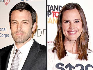 Jennifer Garner Surprises Ben Affleck at Humanitarian Event