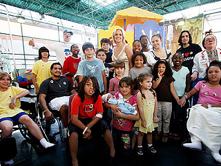 Britney Spears Visits Sick Children in Miami