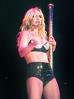 Australian Officials Target Britney Spears's Lip-Synching